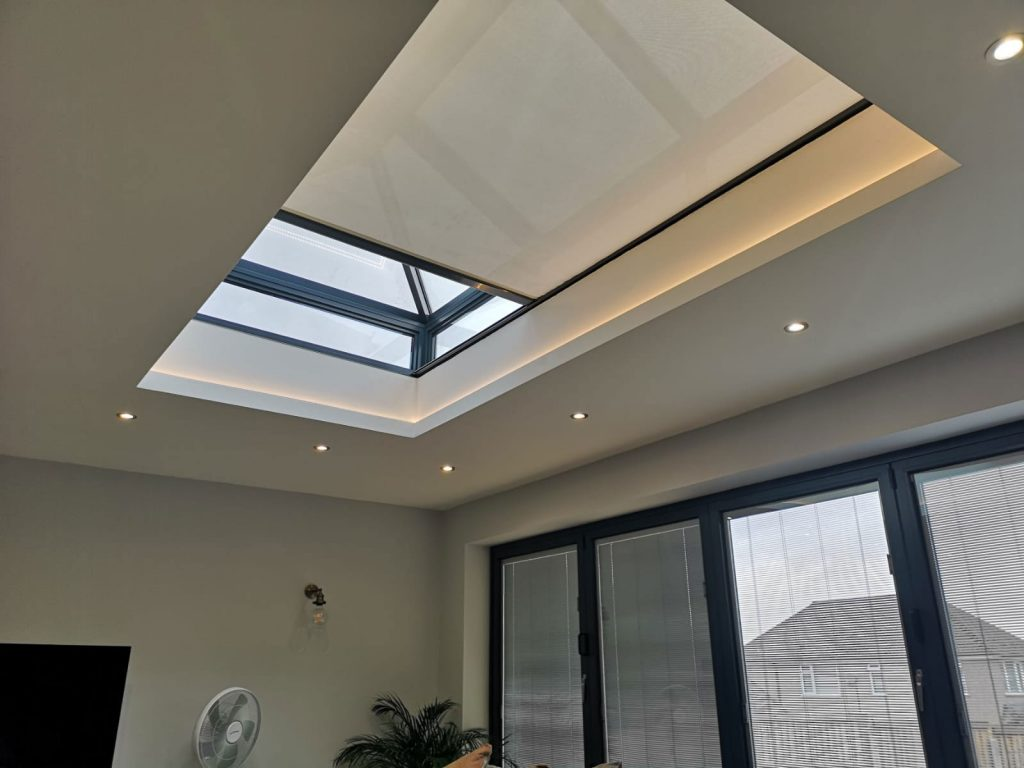 made-to-measure-skylight-blinds
